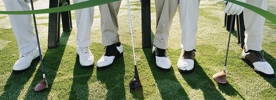 play-banner-group_of_golfers_shoes